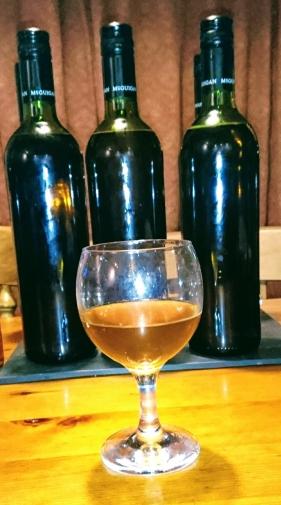 Oak leaf wine